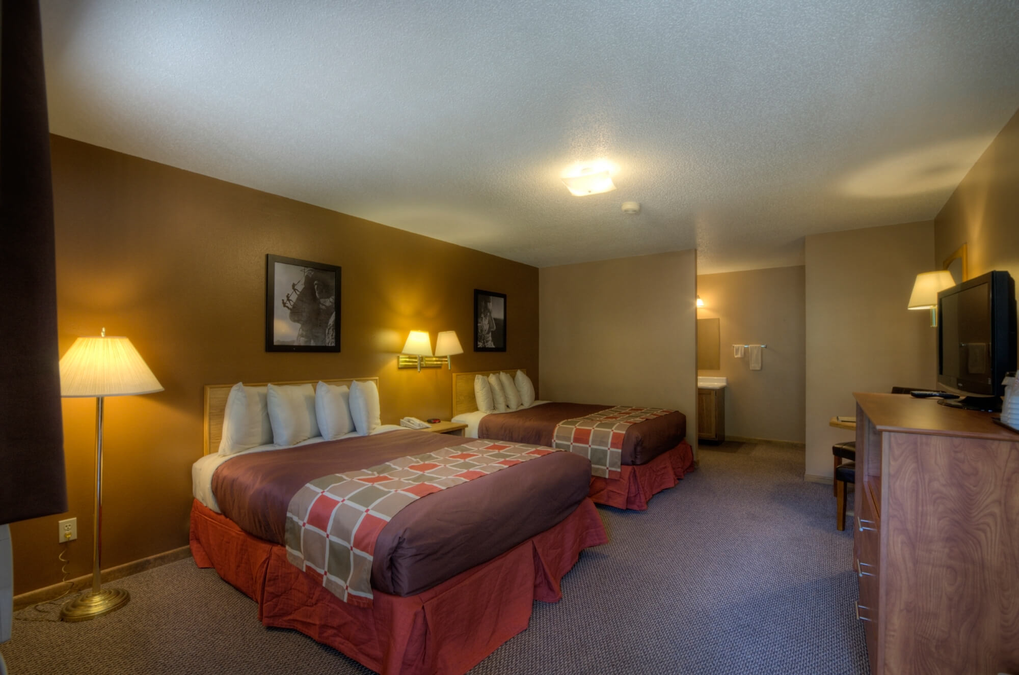 Motel near Mount Rushmore | Black Hills Lodging | Powder House Lodge